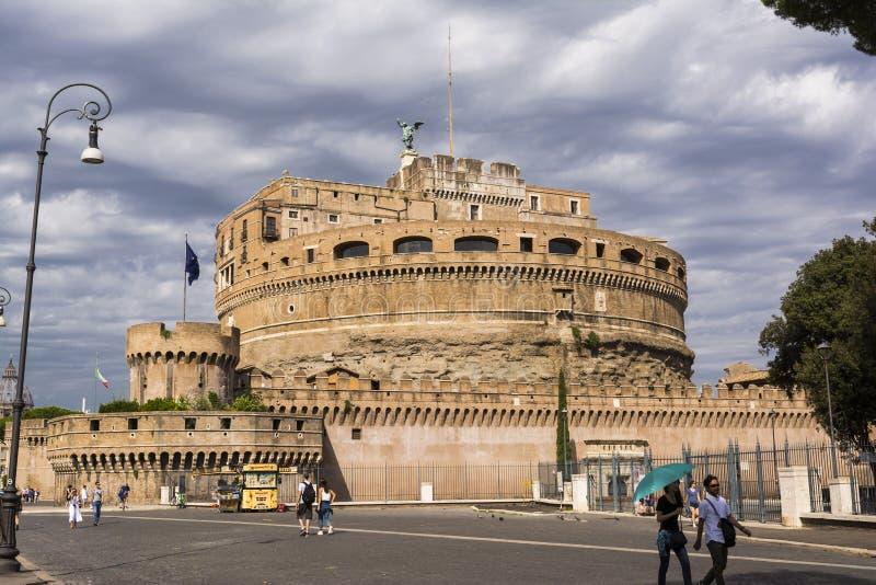 Mening van Sant Angelo Castle in Rome, Italië stock afbeeldingen