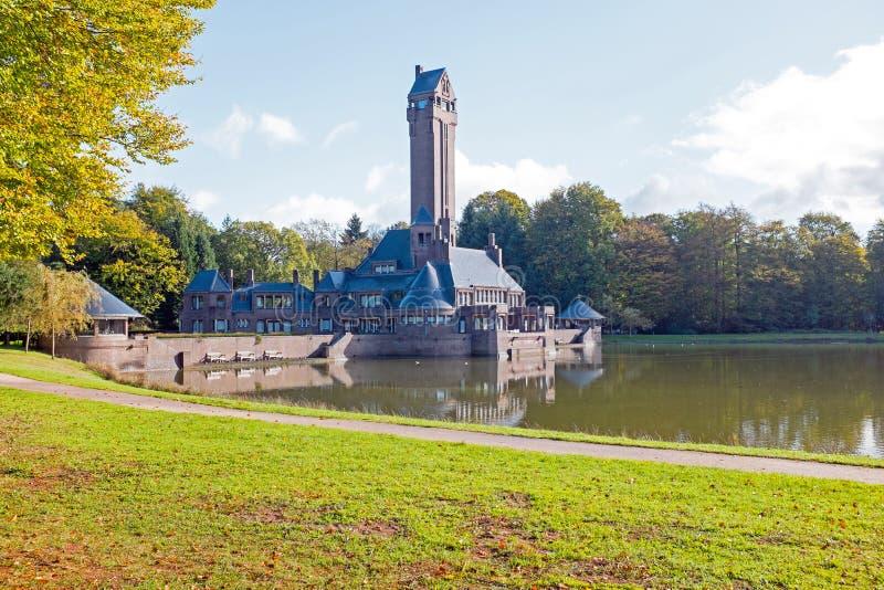 Mening van St Hubertus Hunting Lodge in Nederland royalty-vrije stock foto's