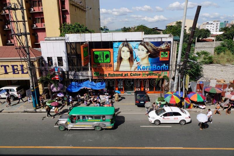 Mening van straat in Quezon in Manilla, Filippijnen stock afbeeldingen