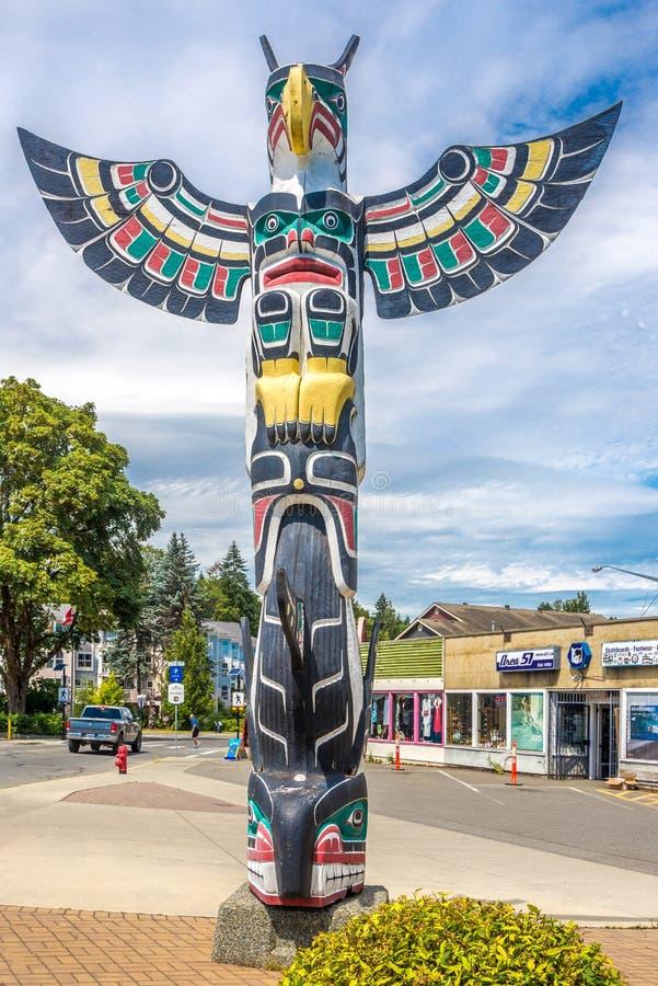Mening van totems in Duncan - Canada stock afbeeldingen