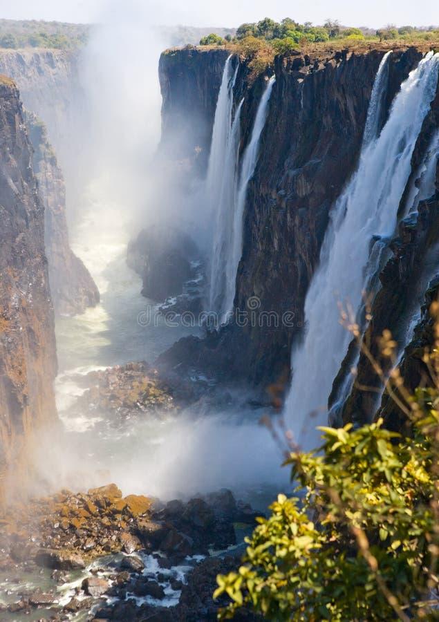Mening van Victoria Falls van de grond Nationaal park mosi-OA-Tunya en de Plaats van de Werelderfenis Zambiya zimbabwe royalty-vrije stock afbeeldingen
