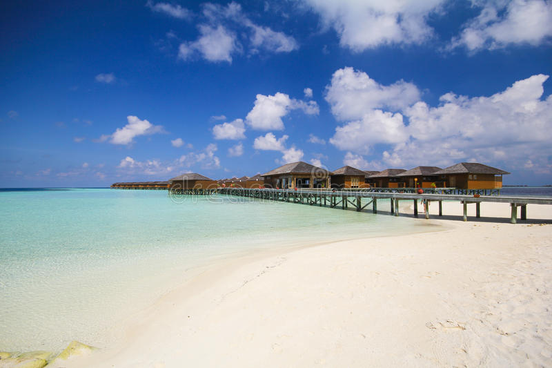Mening van vilamendhooeiland de Maldiven royalty-vrije stock foto's