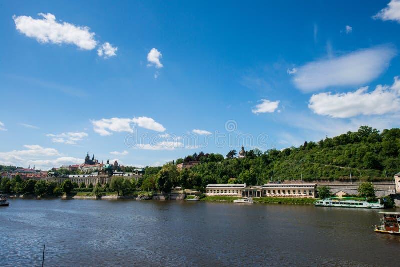 Mening van Vltava royalty-vrije stock afbeelding