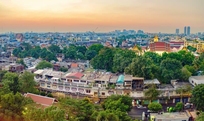 Mening van Wat Ratchanatdaram Temple, Bangkok, Thailand stock foto