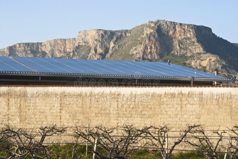 De Panelen Van Solars In De Berg Stock Fotografie