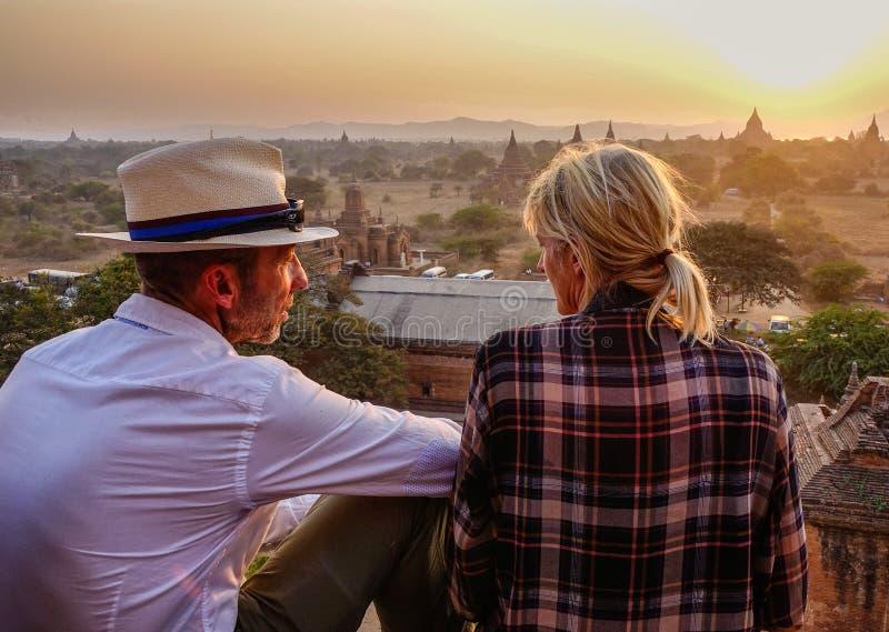 Mening van zonsondergang op tempel in Bagan, Myanmar royalty-vrije stock fotografie