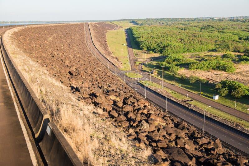 Mening vanaf de bovenkant van Itaipu-dampark stock foto