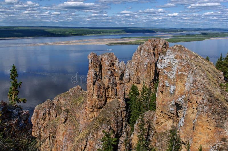 Mening vanaf de bovenkant van Lena Pillars National Park royalty-vrije stock foto