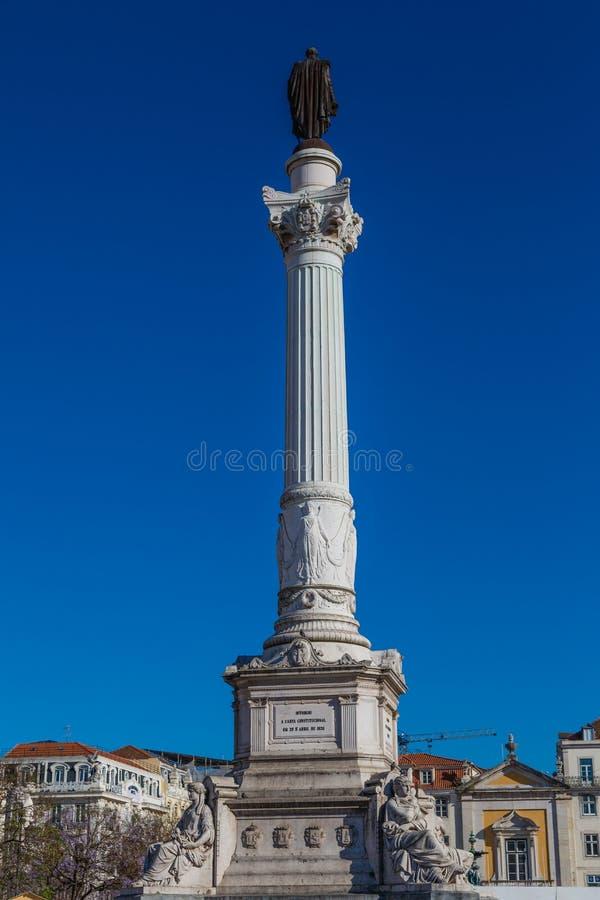 Meningen van de straten in het historische district van Lissabon Alfama stock fotografie
