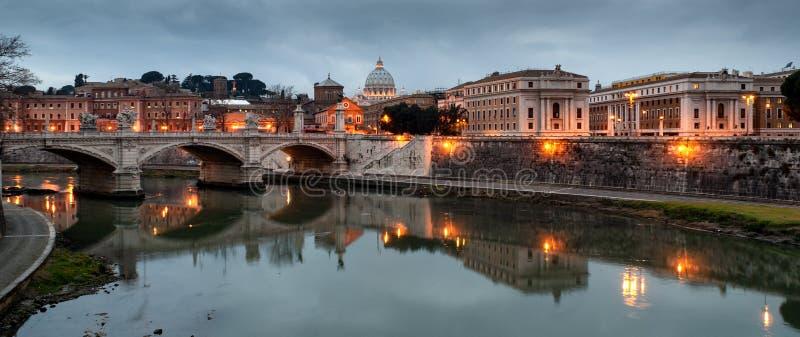 Meningen van de Tiber-rivier stock foto