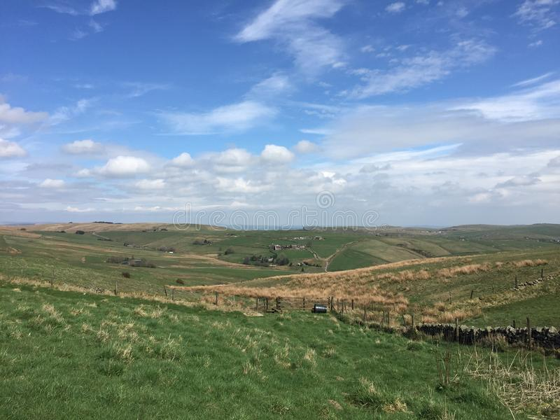 Meningen van de valleien rond Dovedale, Piekdistrict royalty-vrije stock foto's