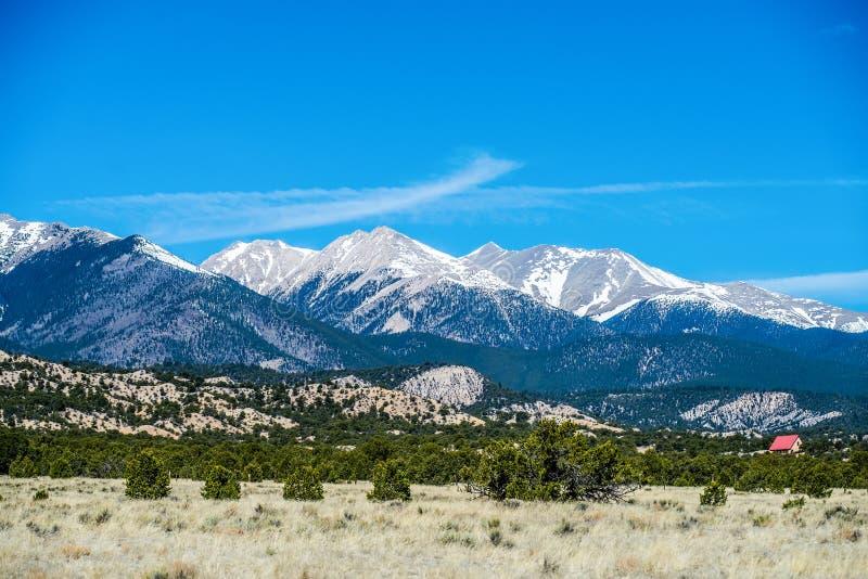 Meningen van het de bergenuitzicht van Colorado de rotsachtige royalty-vrije stock foto