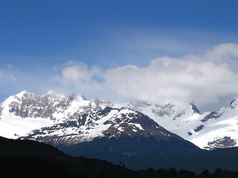 Meningen van sneeuwpieken en gletsjers van de bergen van de Andes, Patagonië royalty-vrije stock afbeelding