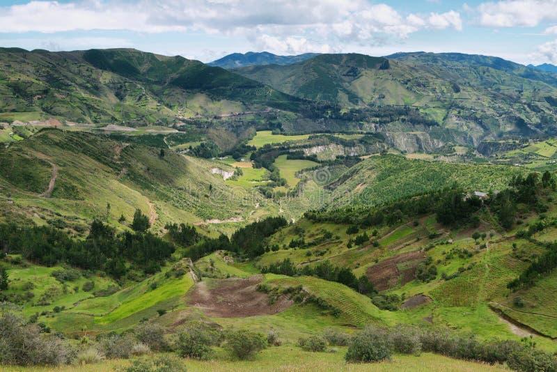 Meningen van terrasgebieden en bergen stock afbeeldingen