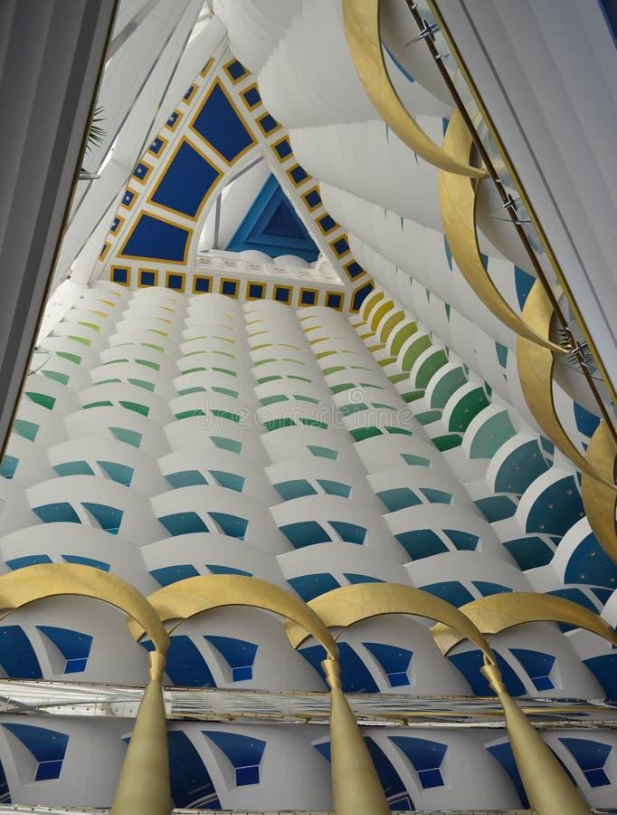 Menings hoogste hemel de bouwhotel Doubai burj Arabier royalty-vrije stock afbeeldingen
