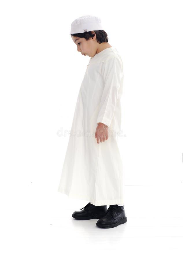 Menino árabe pequeno   imagens de stock