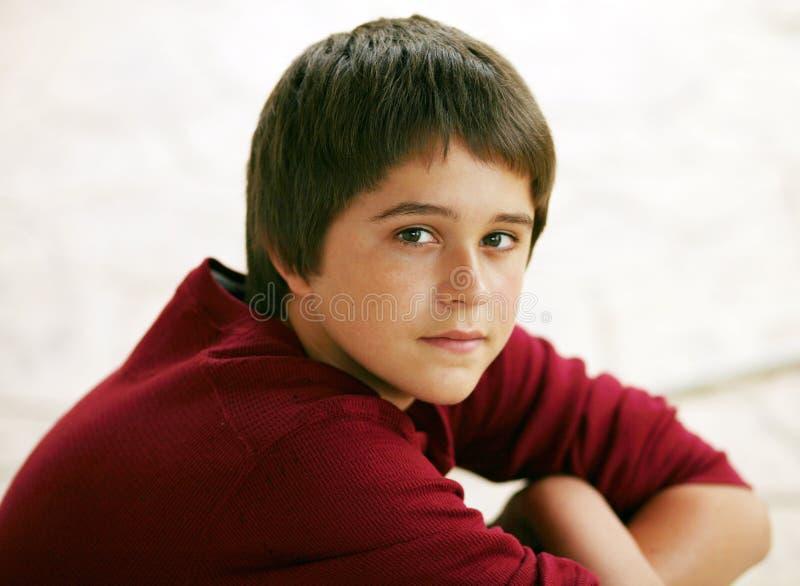 Menino adolescente novo bonito foto de stock