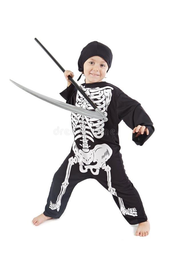 Menino adorável disfarçado em Halloween fotos de stock