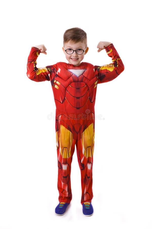 Menino de cinco anos na imagem do homem do ferro fotos de stock royalty free