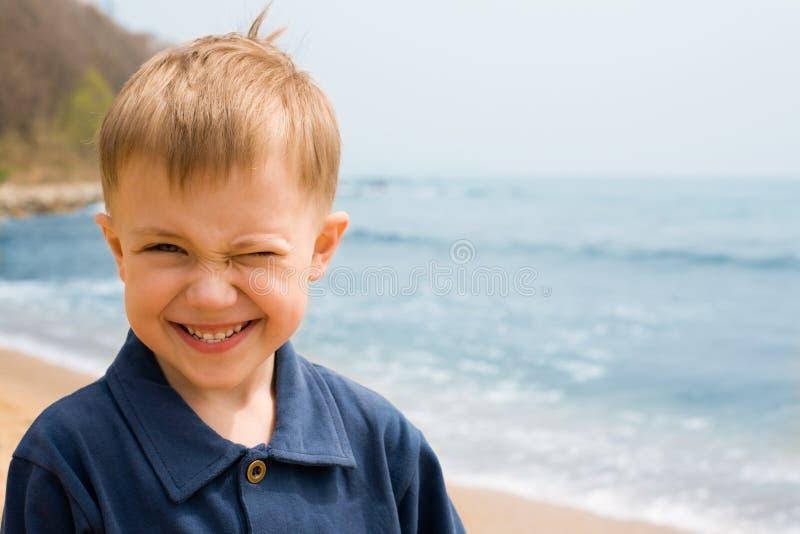 Menino de sorriso fotografia de stock royalty free