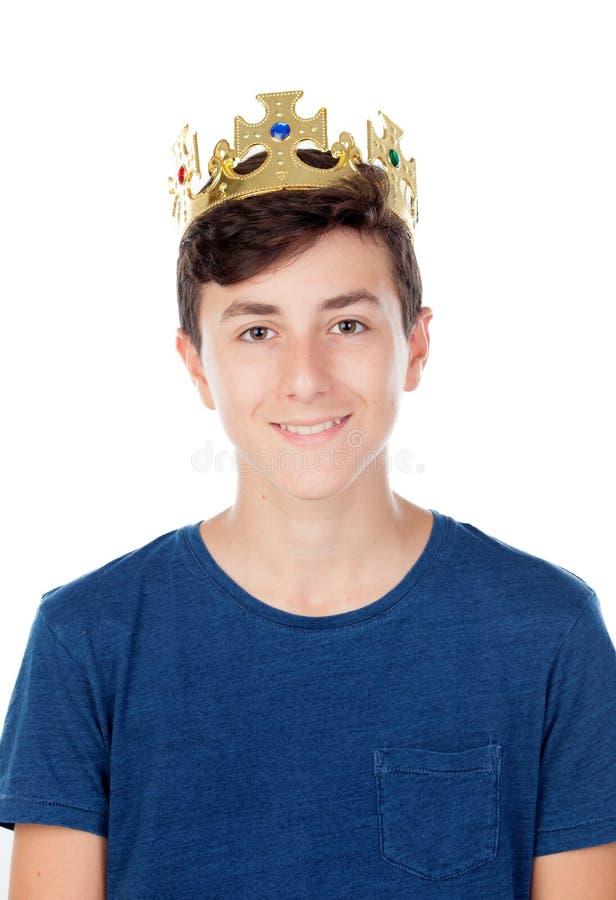Menino do adolescente com coroa do rei imagens de stock royalty free