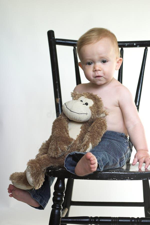 Menino do macaco fotos de stock