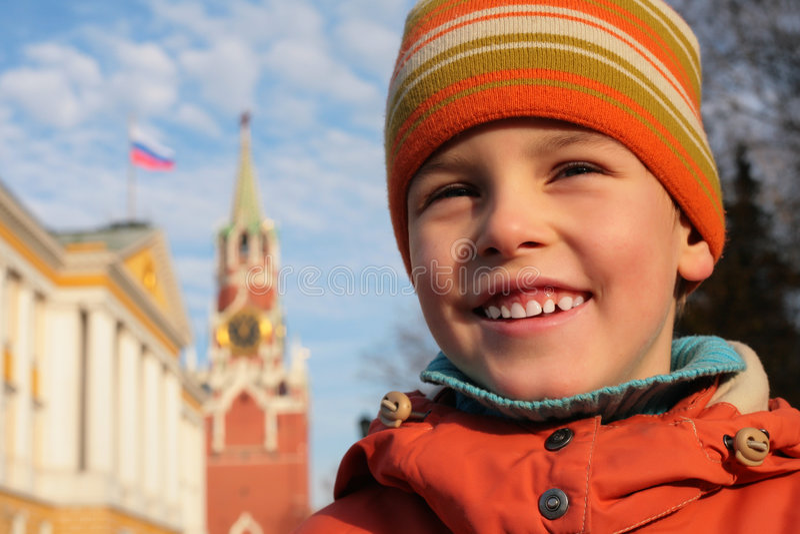 Menino e Kremlin fotos de stock royalty free