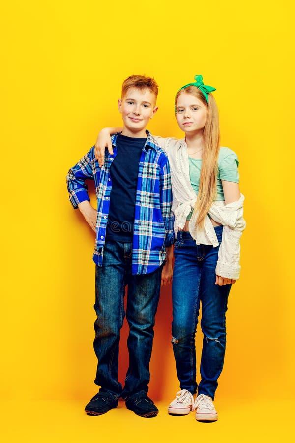 Menino e menina da forma foto de stock royalty free
