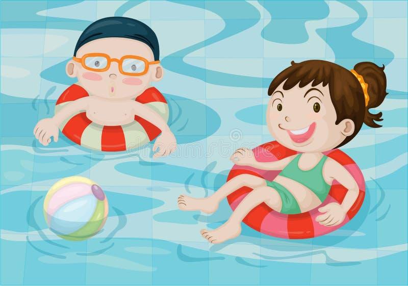 Menino e menina na piscina