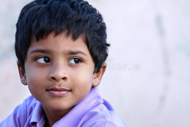 Menino indiano bonito foto de stock royalty free