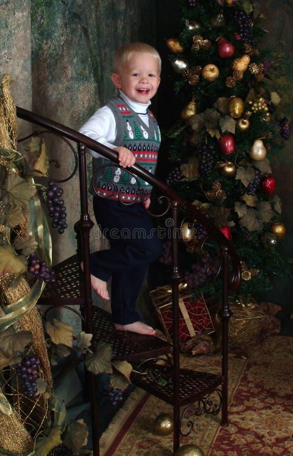Menino no tempo do Natal fotografia de stock