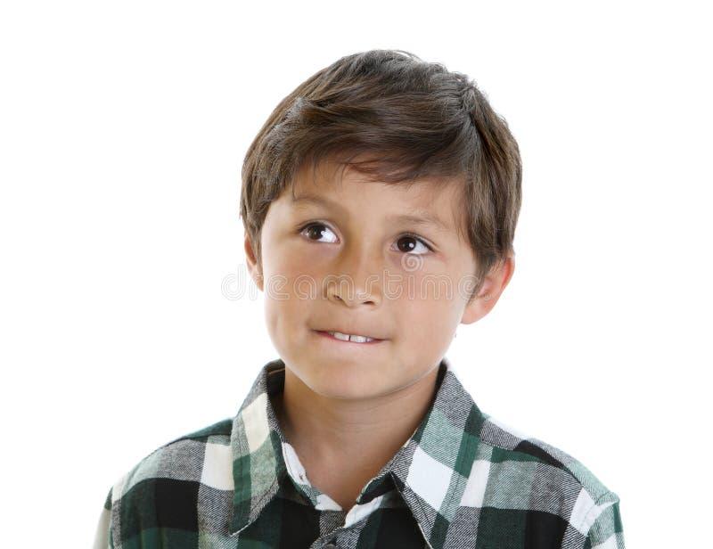 Menino novo considerável na camisa de manta fotografia de stock