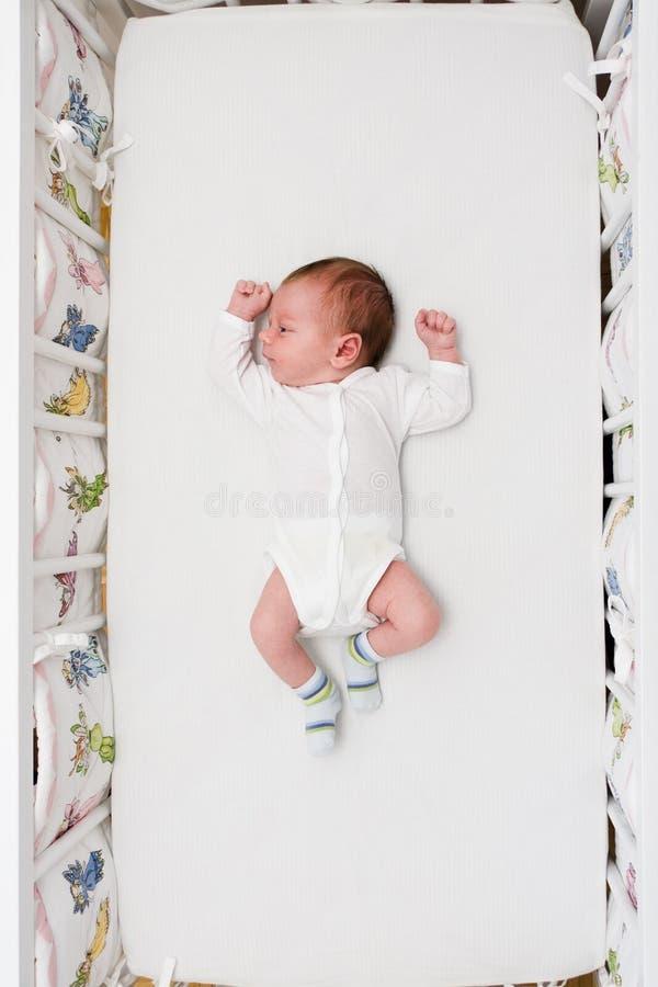 Menino pequeno recém-nascido imagem de stock royalty free