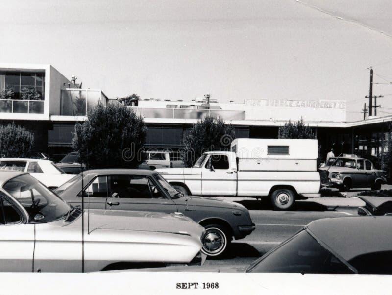 Menlo Park 1968: Santa Cruz Avenue - lado norte, frente imagen de archivo libre de regalías