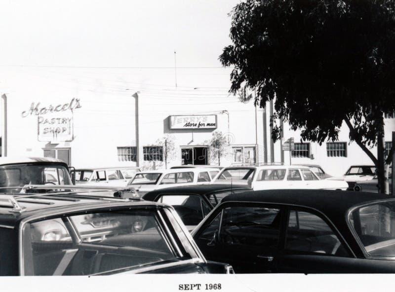 Menlo Park 1968: Santa Cruz Avenue - lado norte, parte posterior imagen de archivo libre de regalías