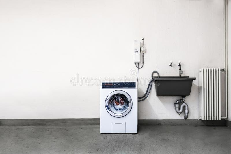 Menniczej maszyny pralniany pokój zdjęcie stock