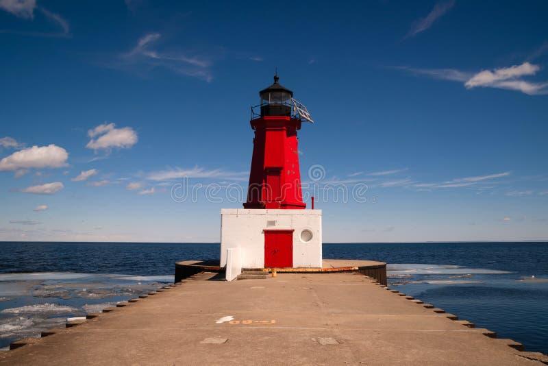 Menomineehamn norr Pier Lighthouse Green Bay Wisconsin royaltyfri bild
