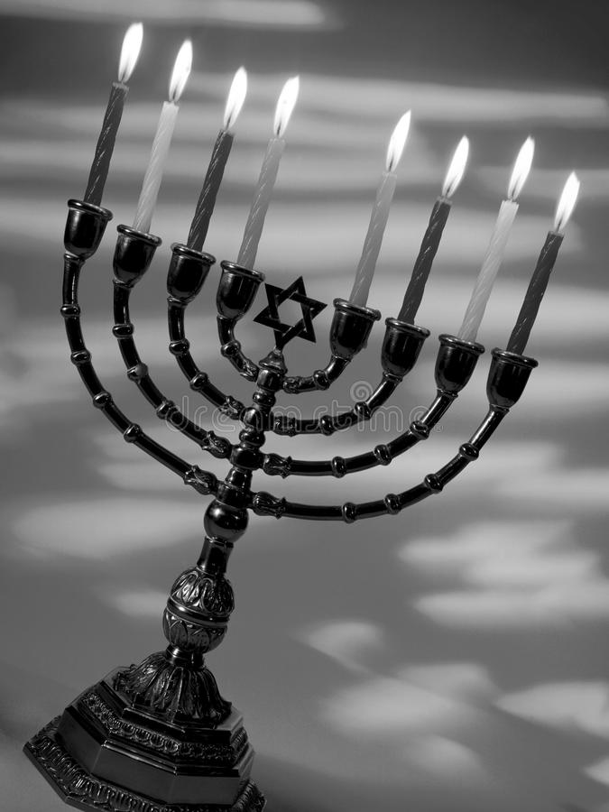 Menorah - Judentum lizenzfreie stockfotos