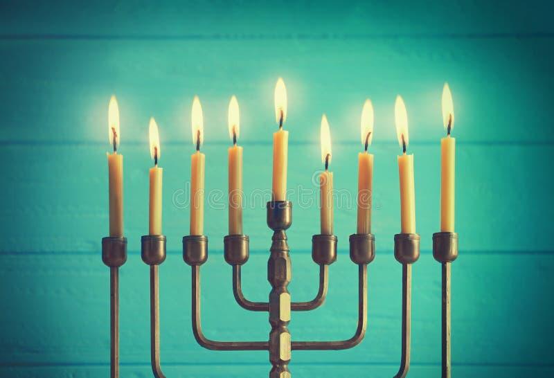Menorah z świeczkami dla Hanukkah zdjęcie stock