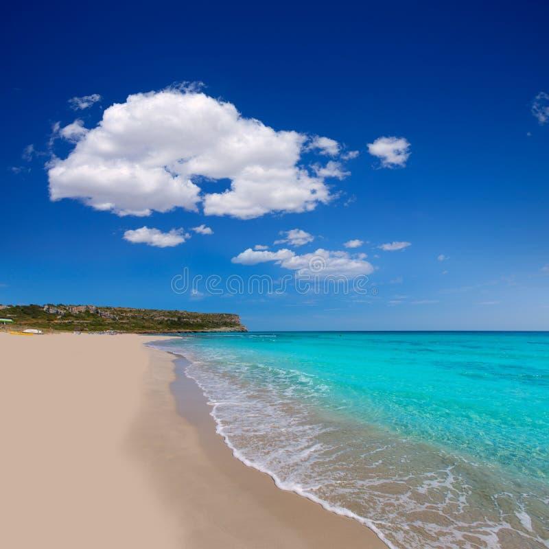 Menorca绿松石海滩的Alaior Cala儿子Bou在拜雷阿尔斯 免版税库存图片
