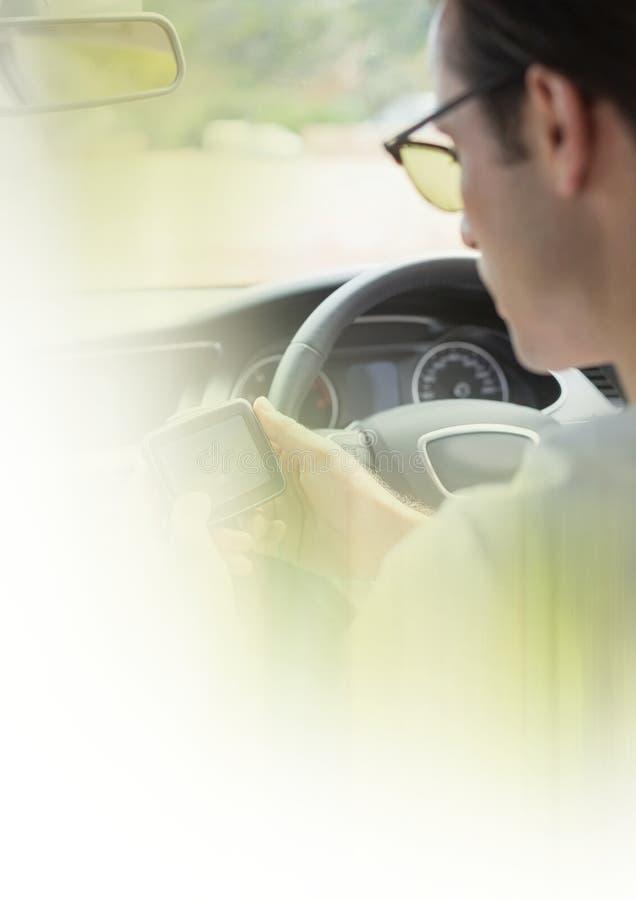 Mens in auto met overgangseffect stock foto's