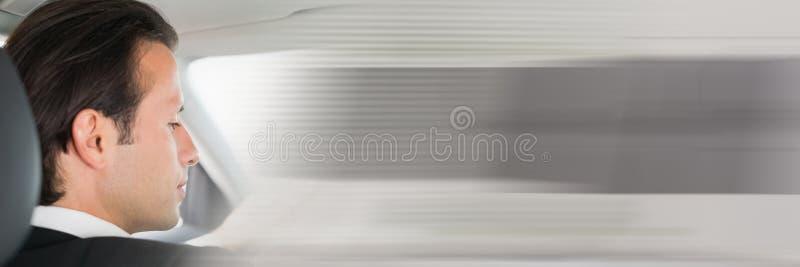 Mens in auto met overgangseffect stock afbeelding