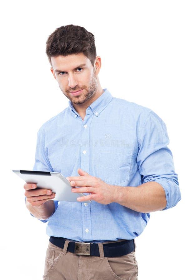 Download Mens Die Digitale Tablet Houden Stock Foto - Afbeelding bestaande uit zaken, zeker: 39100860