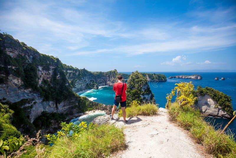 Mens die Duizend eilanden bekijken royalty-vrije stock fotografie