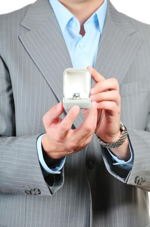 Mens die een giftdoos houdt royalty-vrije stock foto