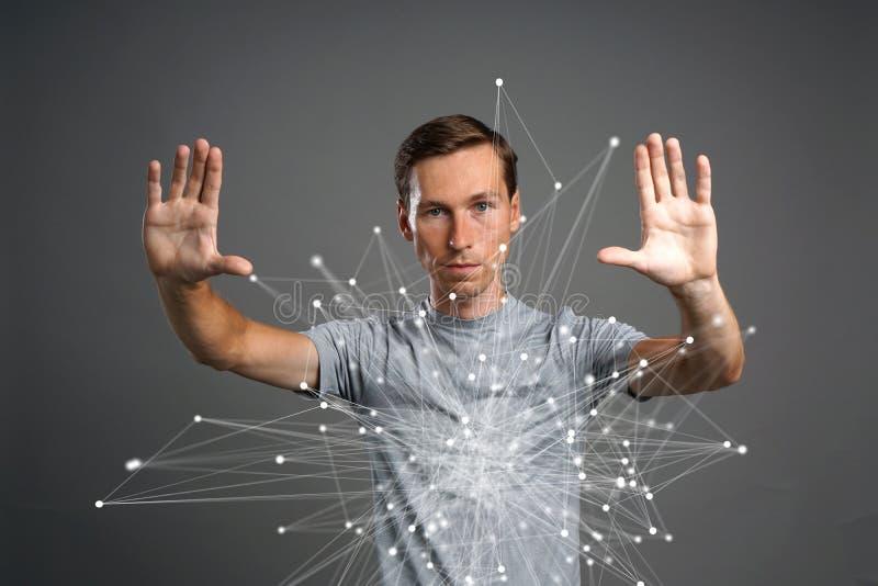 Mens die met verbonden punten werken Draadloos verbindingsconcept royalty-vrije stock foto