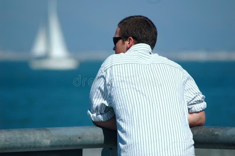 Mens door Baai royalty-vrije stock foto