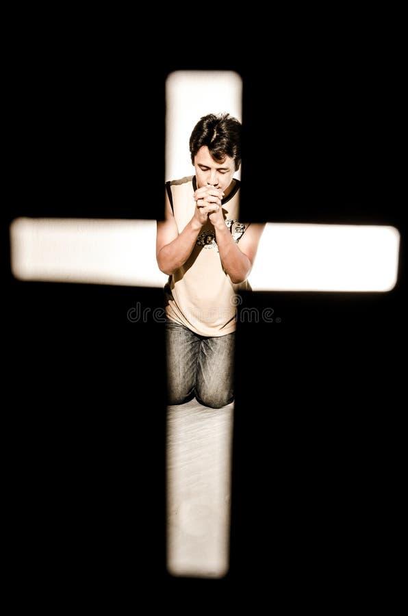 Mens het bidden. stock foto's