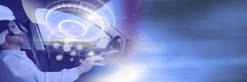 Mens het drijven in auto met hoofden op vertoningsinterface en virtuele werkelijkheidshoofdtelefoon en overgang stock foto