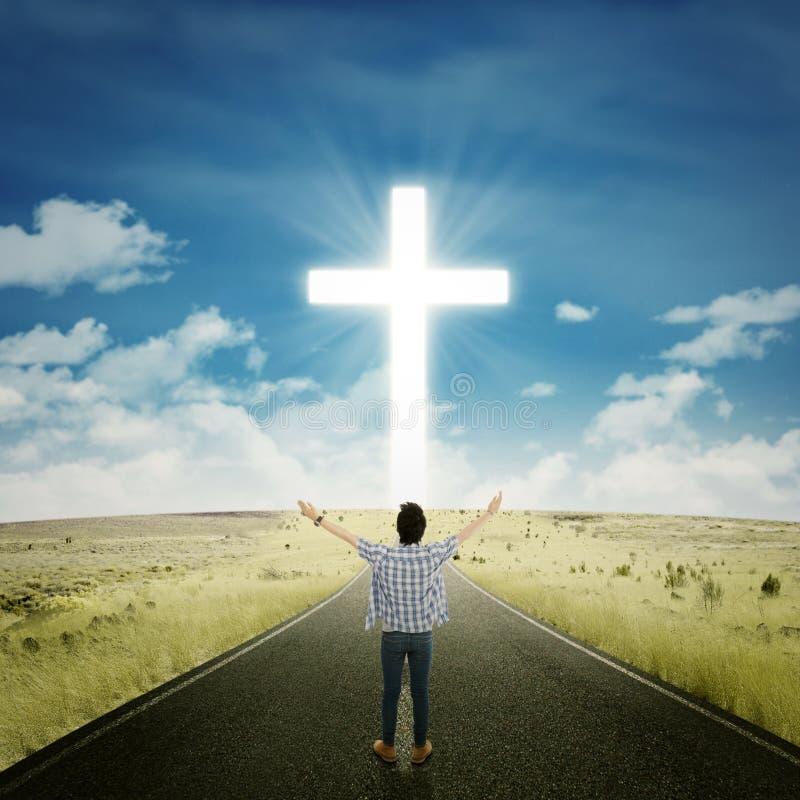 Mens het worshiping aan de GOD stock afbeeldingen